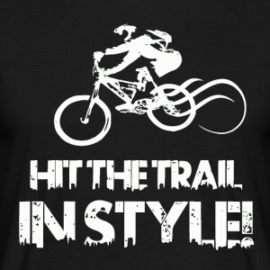 Hit the Trail in Style! Mountainbike Love - Männer T-Shirt