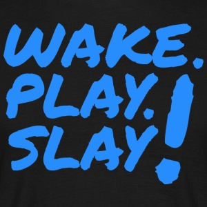 Wake, Play, Slay. Blå. - T-skjorte for menn