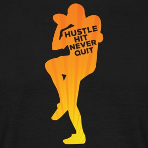 Football: Hustle hit Never Quit - Men's T-Shirt