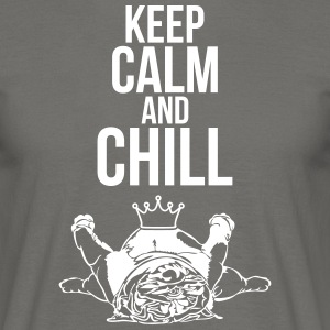 KEEP CALM and Chill Bulldog Inglés - Camiseta hombre