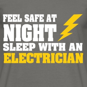 Sleep with an ELECTRICIAN - Männer T-Shirt