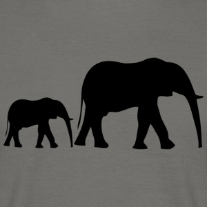 Small elephant family + baby elephant from Africa - Men's T-Shirt