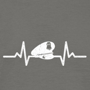 My heart beats for the police - Men's T-Shirt