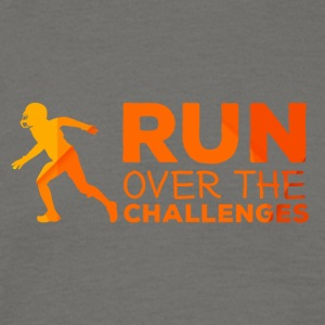Football: Run over the challenges - Men's T-Shirt