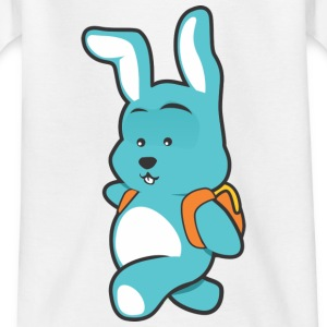 Rabbit with backpack - Kids' T-Shirt