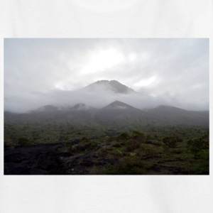 A volcano in the fog - Teenage T-shirt
