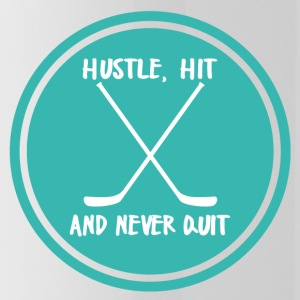 Eishockey: Hustle, Hit and never Quit. - Trinkflasche