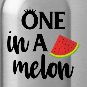one in a melon - black - Trinkflasche