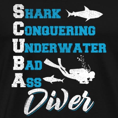 Shark Conquering Underwater Scuba Diver - Männer Premium T-Shirt