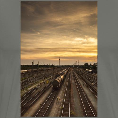Nürnberg, Güterbahnhof, Sonnenuntergang - Männer Premium T-Shirt