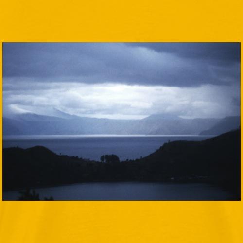 Skandinavien Aussicht mit Meer und Wolken - Männer Premium T-Shirt