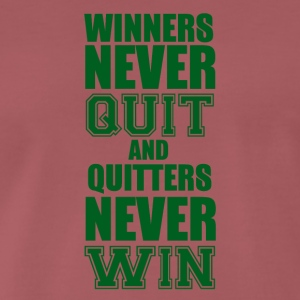 Football: Winners never quit and quitters never win - Men's Premium T-Shirt