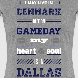 I may live in Denmark... (Dallas edition) - Dame premium T-shirt