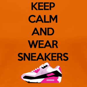 Keep calm and wear Sneakers - Frauen Premium T-Shirt