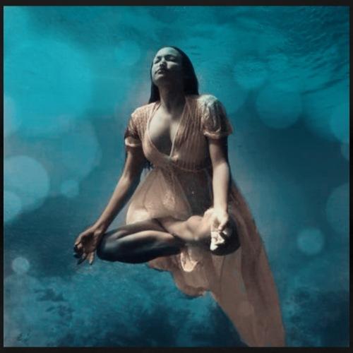 Aisha Meditation - Maglietta Premium da donna