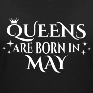 Queens are born in May - Women's V-Neck T-Shirt