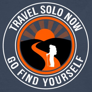 Travel Solo Now, Go Find Yourself - Men's Premium Longsleeve Shirt