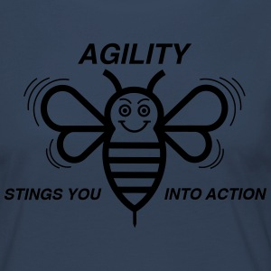AGILITY STINGS YOU INTO ACTION - Frauen Premium Langarmshirt