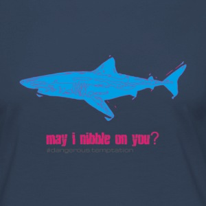 Hungriger Haifisch may i nibble on you? - Frauen Premium Langarmshirt