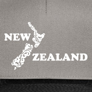 New Zealand: map and lettering in white - Snapback Cap