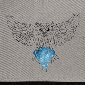Dynamic Royal Owl V-Neck Tee - Snapback Cap
