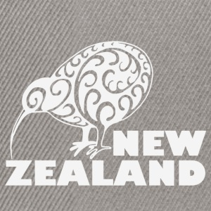 New Zealand: Kiwi with lettering in white - Snapback Cap
