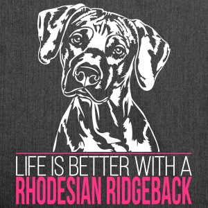 Life is better with a Rhodesian Ridgeback - Schultertasche aus Recycling-Material