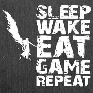 Sleep Wake Eat Game Repeat - Schultertasche aus Recycling-Material