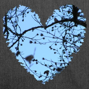 Heart with tree branches and blue sky, love t-shirt - Shoulder Bag made from recycled material