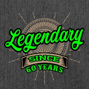 Legendary since 60 years T-Shirt und Hoodie - Schultertasche aus Recycling-Material