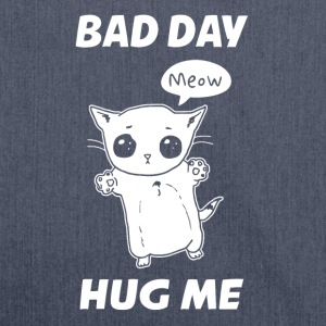 BAD DAY HUG ME - Schoudertas van gerecycled materiaal