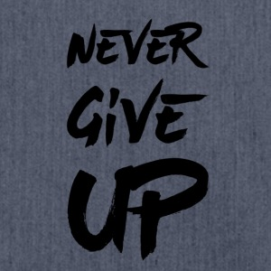 Never Give Up - Skulderveske av resirkulert materiale
