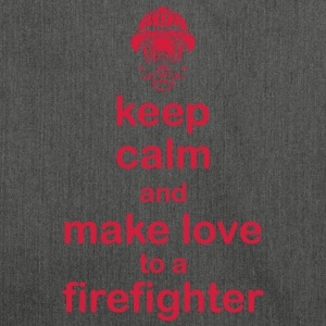 Keep Calm firefighter - Axelväska av återvinningsmaterial