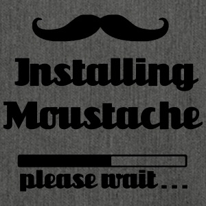 Installing Moustache, please wait - Schultertasche aus Recycling-Material