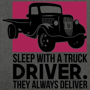 Sleep with a truck driver - Schultertasche aus Recycling-Material