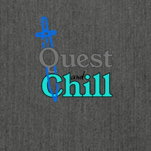 Quest and Chill - Schultertasche aus Recycling-Material
