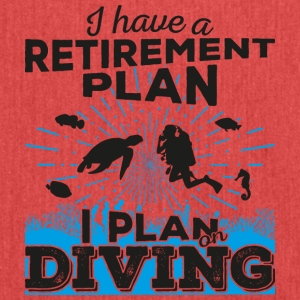 Retirement plan diving (dark) - Schultertasche aus Recycling-Material