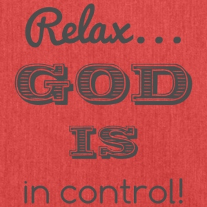 Relax God is in control - Schultertasche aus Recycling-Material