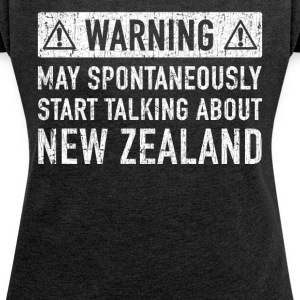 Original New Zealand Gift: Check Here - Women's T-shirt with rolled up sleeves