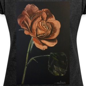 Red rose - Women's T-shirt with rolled up sleeves