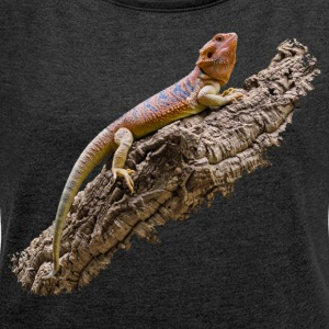 Bearded dragon on root - Women's T-shirt with rolled up sleeves