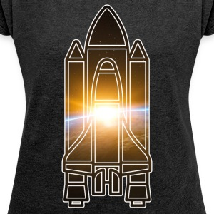 Space Shuttle - Earth - Space - Women's T-shirt with rolled up sleeves