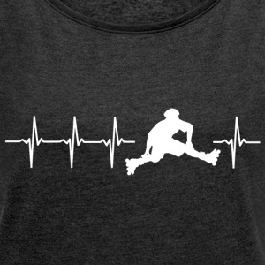 I love roller skating (skate heartbeat) - Women's T-shirt with rolled up sleeves