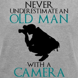 Never Underestimate Old man with camera - funny - Women's T-shirt with rolled up sleeves