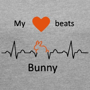 My heart beats for rabbits - Women's T-shirt with rolled up sleeves