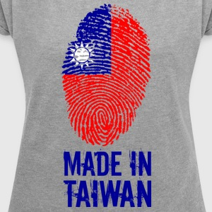 Made In Taiwan 臺灣 Tâi-oan Thoi-vǎn - Women's T-shirt with rolled up sleeves