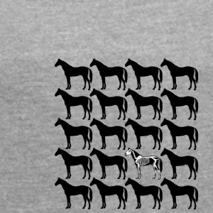 horses - Women's T-shirt with rolled up sleeves