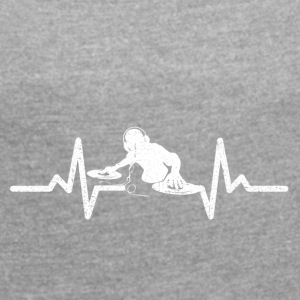 My heart beats for DJing - Women's T-shirt with rolled up sleeves