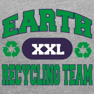 Earth Day Recycle Team - Women's T-shirt with rolled up sleeves