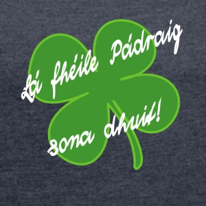 StPatShamrockWhite - Women's T-shirt with rolled up sleeves